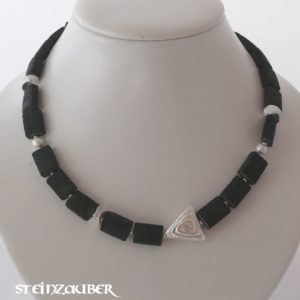 Collier 'Dark Beauty'
