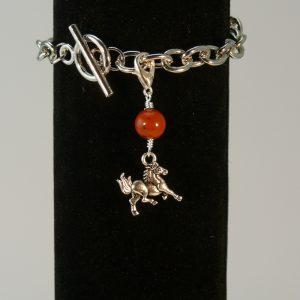 Charms Pferd mit Rotem Jaspis