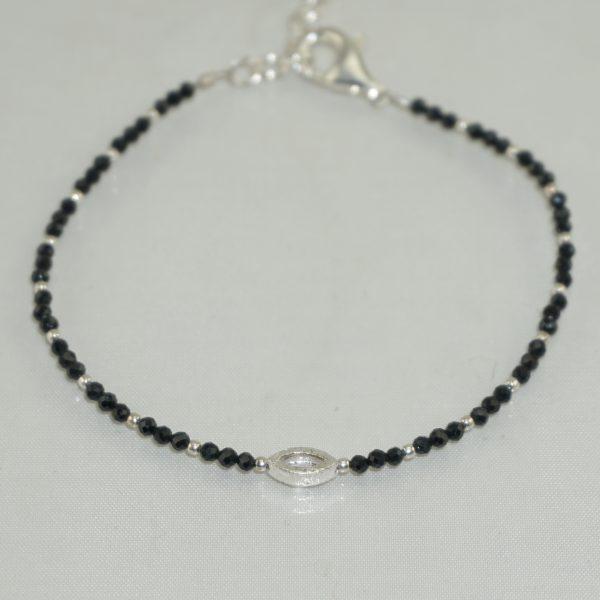 Edelsteinarmband aus facettiertem schwarzem Spinell mit 925 Sterlingsilber