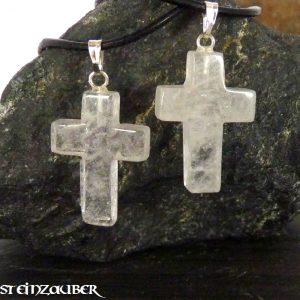 Kreuz aus Bergkristall