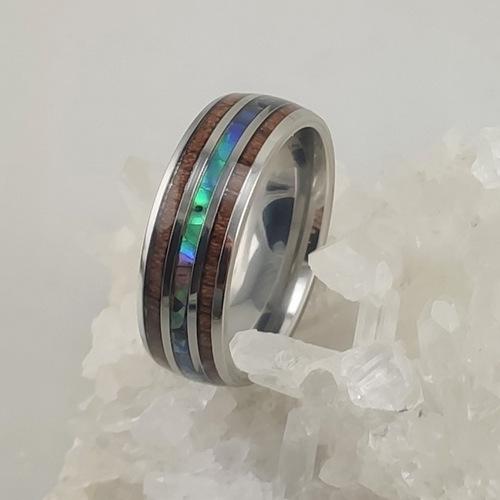 Ring aus Edelstahl und Abalone