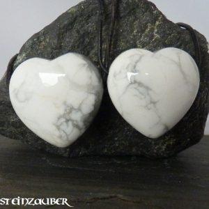 Herz 30 mm aus Howlith