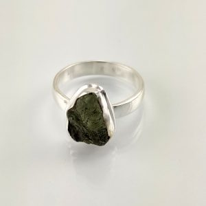 Moldavit Ring in Sterlingsilber