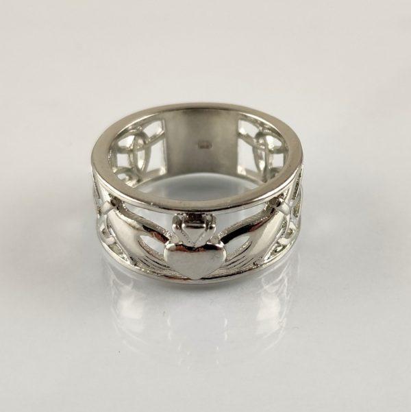 Claddagh Ring aus Edelstahl. Treue, Liebe und Freundschaft