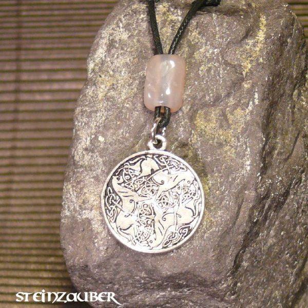 Amulett Keltischer Knoten aus Zinn mit einem Achat Schutzstein