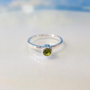 Ring Silber Peridot Stapelring