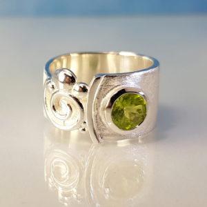 Ring Peridot Silber